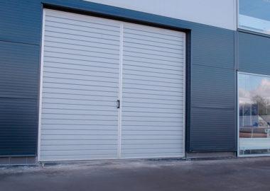 Atveriami pramoniniai garažo vartai
